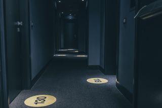 Piccole anteprime..il numero di ogni camera si illumina sul pavimento...#mancapoco #thepoethotel #laspezia #sarzana #cinqueterre #italia #italy #liguria #travel #viaggi #soggiorniesclusivi #portovenere #isolapalmaria #parconazionalecinqueterre #golfodeipoeti #sealovers #sea