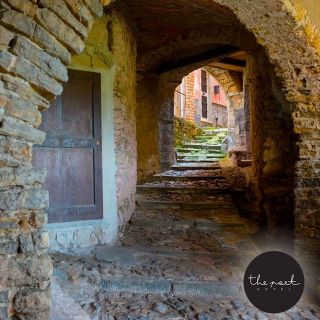 La nostra regione, la Liguria è ricca di storia, di meraviglie,  non solo di mare... Piccoli borghi di antica origine sorgono sulle alture... Ecco #arcola un piccolo gioiello poco distante da noi... #thepoethotel  #laspezia #sarzana #cinqueterre #italia #italy #liguria #travel #viaggi #soggiorniesclusivi #portovenere #isolapalmaria #parconazionalecinqueterre #golfodeipoeti #sealovers #sea